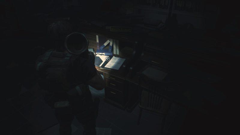 警察署のデスク