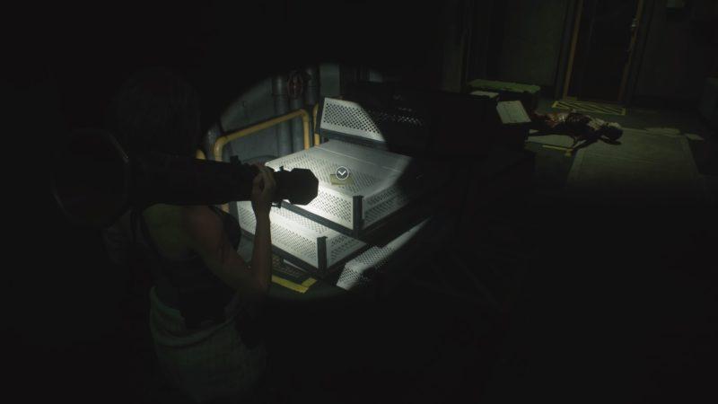 暗い地下倉庫